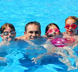 Dad & kids swimming2