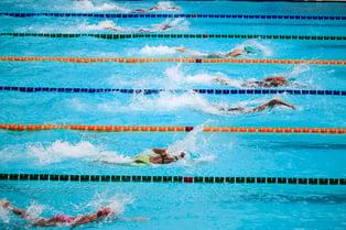 swimming pool race