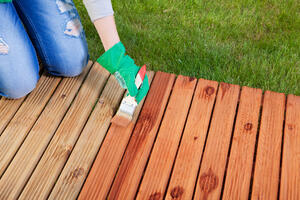 Tips for staining or painting your deck