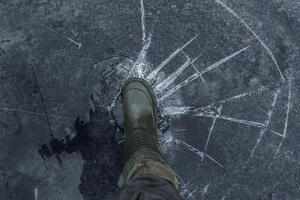 Tips for surviving a fall through thin ice