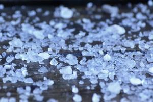 Types of sidewalk salt