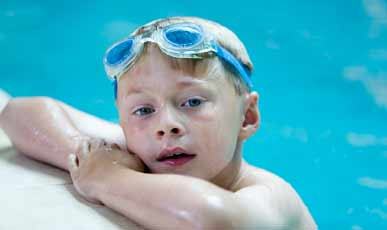boy-in-pool-with-goggles