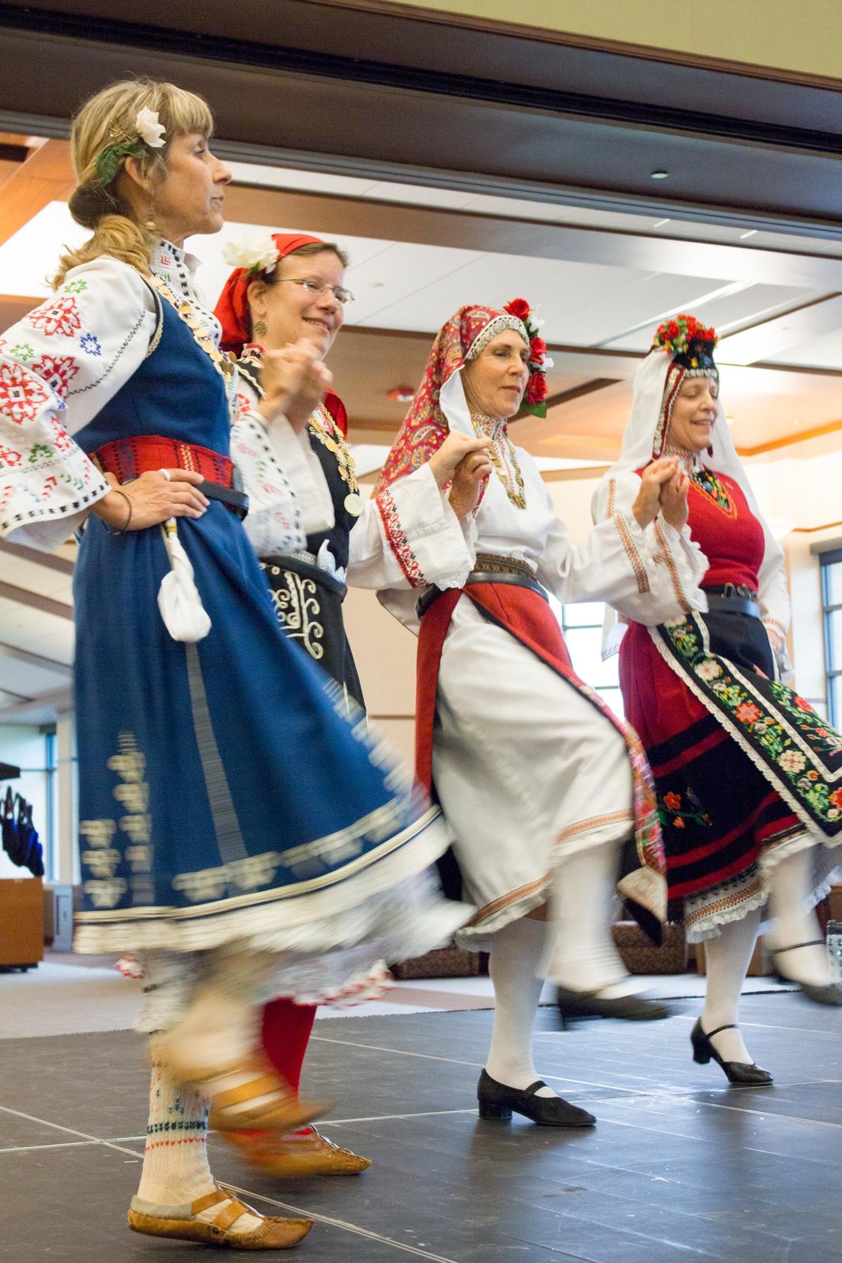 BulgarianDancers3