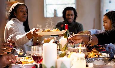 Christmas-Dinner-Family
