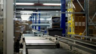 plastic-manufacturer-conveyor